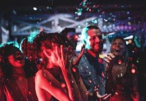 chceszspedzicniezapomnianemikolajki1 fot. artykul sponsorowany 300x208 - Sylwester 2019/2020 w Poznaniu – sprawdź, gdzie się wybrać