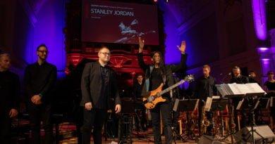 era jazzu stanley jordan fot. slawek wachala 168 of 169 390x205 - Era Jazzu: Stanley Jordan Poznań Jazz Project