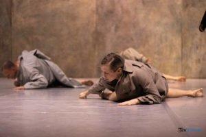 fabula rasa ptt fot. slawek wachala 11 of 67 300x200 - Polski Teatr Tańca: Fabula Rasa, czyli spektakl do odkrycia