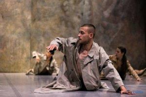 fabula rasa ptt fot. slawek wachala 12 of 67 300x200 - Polski Teatr Tańca: Fabula Rasa, czyli spektakl do odkrycia