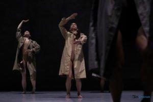 fabula rasa ptt fot. slawek wachala 19 of 67 300x200 - Polski Teatr Tańca: Fabula Rasa, czyli spektakl do odkrycia