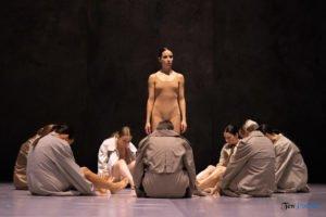fabula rasa ptt fot. slawek wachala 22 of 67 300x200 - Polski Teatr Tańca: Fabula Rasa, czyli spektakl do odkrycia