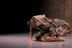 fabula rasa ptt fot. slawek wachala 8 of 67 300x200 - Polski Teatr Tańca: Fabula Rasa, czyli spektakl do odkrycia