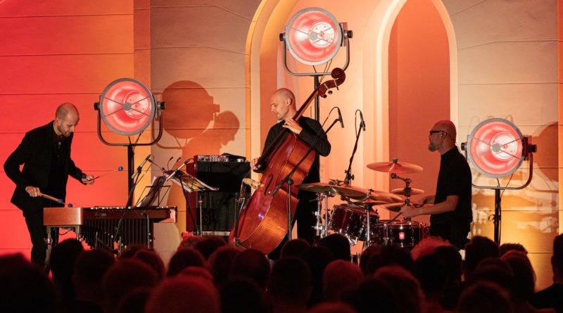 festiwal nostalgia oles brothers trio fot. slawek wachala 24 of 30 800x445 - Komeda na wibrafon, kontrabas i perkusję – czyli drugi dzień festiwalu Nostalgia