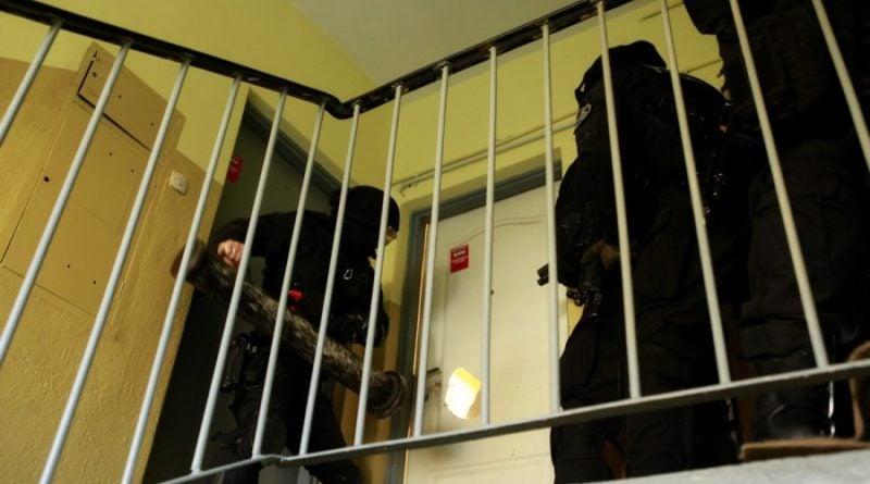 grupa realizacyjna szkolenie 4 fot. policja 800x445 - Poznań: Policjanci szkolili się w opuszczonym budynku