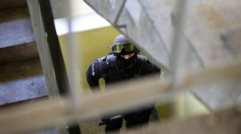grupa realizacyjna szkolenie 7 fot. policja 800x445 - Poznań: Policjanci szkolili się w opuszczonym budynku