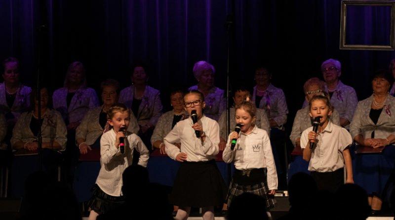 koncert dla uczczenia 101.rocznicy odzyskania nieodleglosci kozieglowy fot. slawek wachala 21 of 94 800x445 - Moniuszko w Koziegłowach