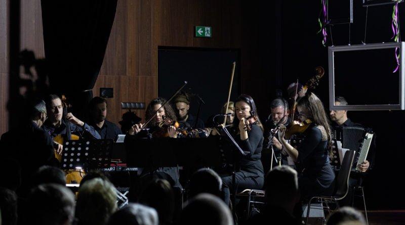koncert dla uczczenia 101.rocznicy odzyskania nieodleglosci kozieglowy fot. slawek wachala 3 of 94 800x445 - Moniuszko w Koziegłowach