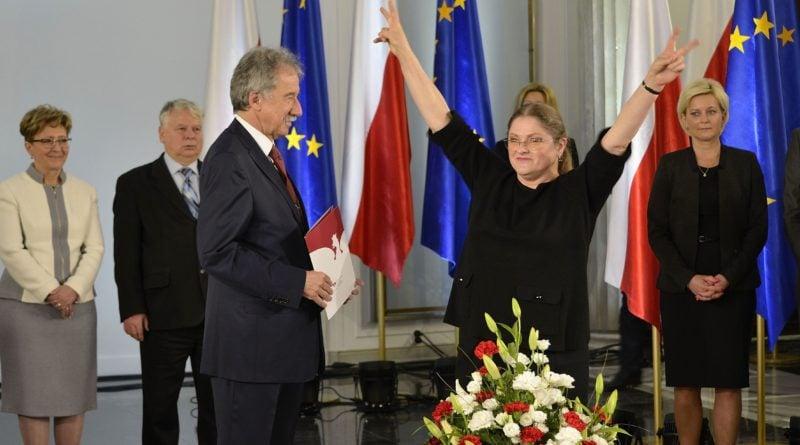 Posłanka Krystyna Pawłowicz podczas uroczystości wręczenia zaświadczeń o wyborze nowo wybranym posłom w Sali Kolumnowej Sejmu fot. Adrian Grycuk