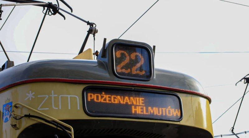 """pozegnanie helmutow 2 fot. s. wachala 800x445 - Poznań: """"Helmuty"""" pożegnały się z klasą. I przy tłumach wielbicieli!"""