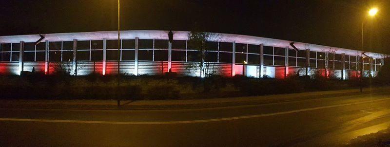 swieto niepodleglosci konin fot. mosir 800x302 - Konin: Flaga dla Niepodległości i biało-czerwone światła