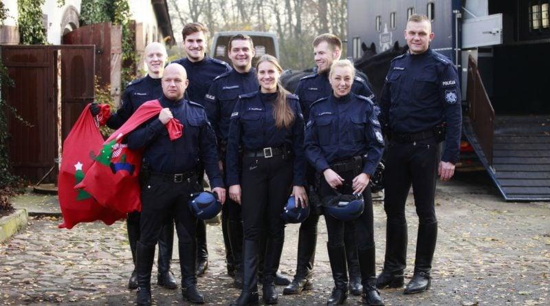 szpikowa paczka 2 fot. policja 800x445 - Poznań: Szpikowa paczka od policji