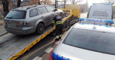 usunięcie samochodu na lawecie fot. WITD