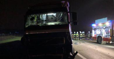 wypadek A2 fot. OSP w Kleszczewie