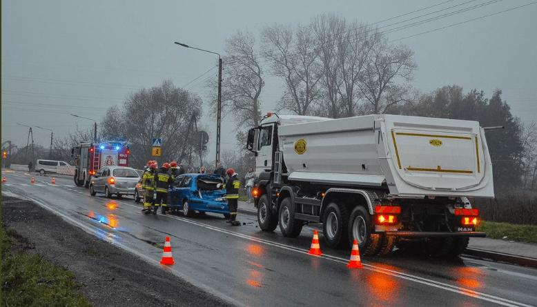 wypadek fot. twitter Jarocin112 - Ratownictwo Powiatu Jarocińskiego