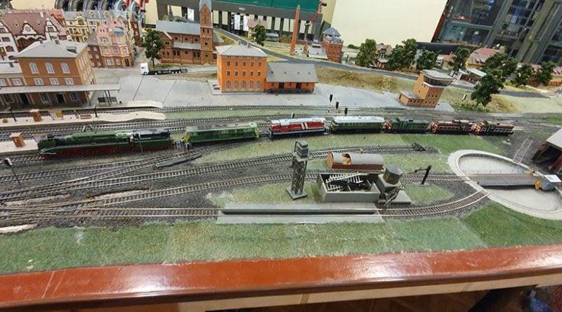 wystawa 3 fot. poznanski klub modelarzy kolejowych 800x445 - Poznań: Wystawa modeli i makiet kolejowych