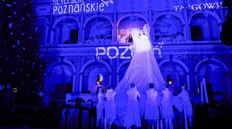 zapalenie choinki 18 fot. s. wachala 800x445 - Poznań: Miejska choinka już się świeci!