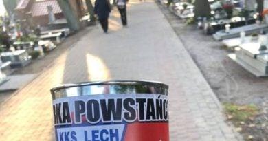 Zbiórka na groby powstańców fot. Wiara Lecha