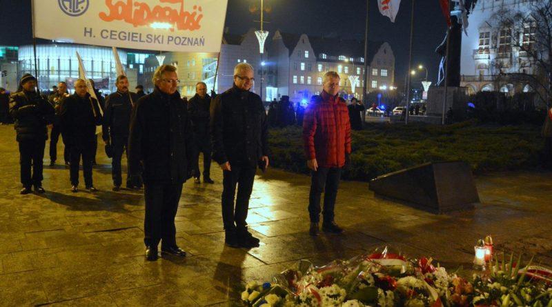 38. rocznica stanu wojennego 3 fot. ump 800x445 - Poznań: Hołd dla ofiar stanu wojennego