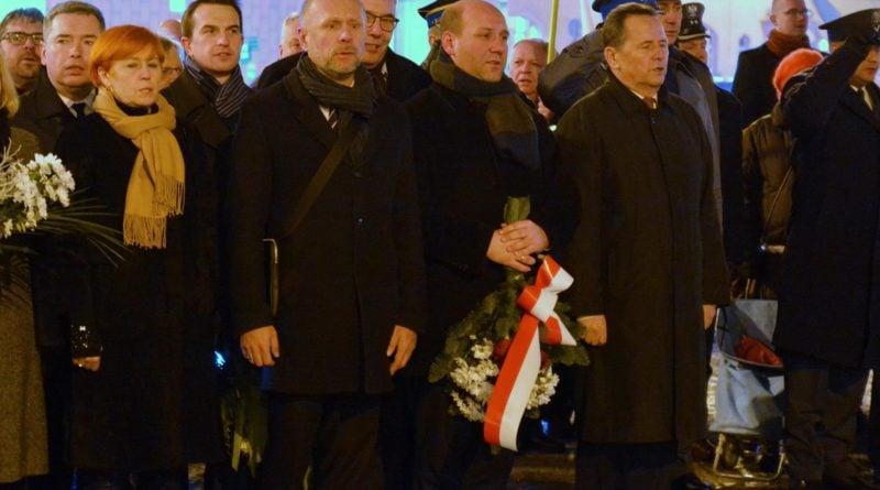 38. rocznica stanu wojennego 4 fot. ump 800x445 - Poznań: Hołd dla ofiar stanu wojennego