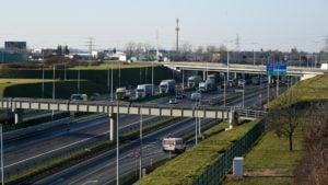autostrada fot. ump 3 300x169 - Poznań: Kierowcy mogą już korzystać z trzech pasów autostrady