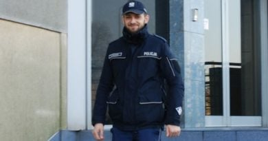 Dzielnicowy Bartłomiej Kolenda 2 fot. policja