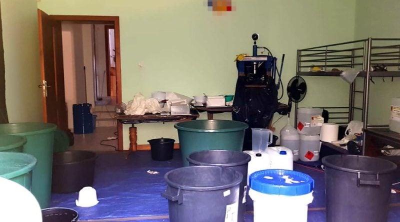 fabryka kokainy zatrzymania 6 fot. policja.pl  800x445 - Największa próba przemytu narkotyków w UE udaremniona. Magazyn był w Wielkopolsce