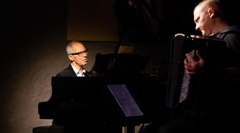 komeda 5 of 51 800x445 - Koncert na zakończenie Roku Komedowskiego w Poznaniu