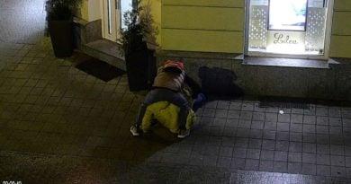 napad w centrum Poznania fot. monitoring, straż miejska