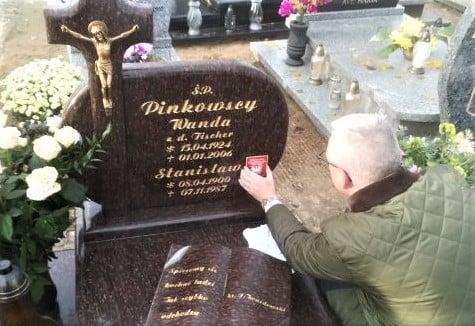 Oznakowanie-grobu-Stanisława-Pinkowskiego-na-cmentarzu-w-Łubowie fot. TPPW