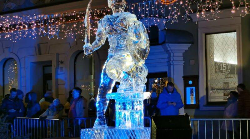poznan ice festival konkurs glowny 10 fot. slawek wachala 800x445 - Poznań: Lodowe rzeźby i tłumy podziwiających