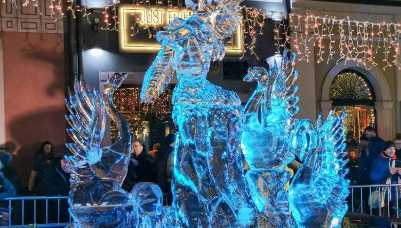 poznan ice festival konkurs glowny 4 fot. slawek wachala 780x445 - Poznań: Lodowe rzeźby i tłumy podziwiających