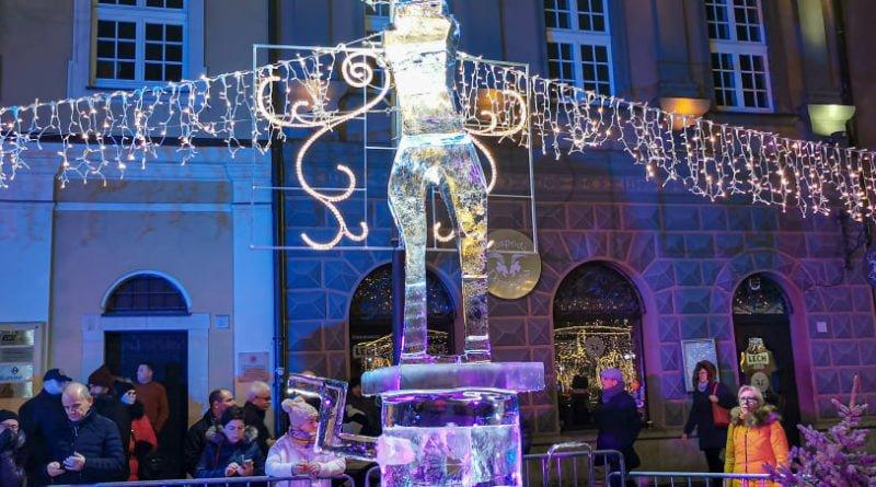 poznan ice festival konkurs glowny 5 fot. slawek wachala 800x445 - Poznań: Lodowe rzeźby i tłumy podziwiających