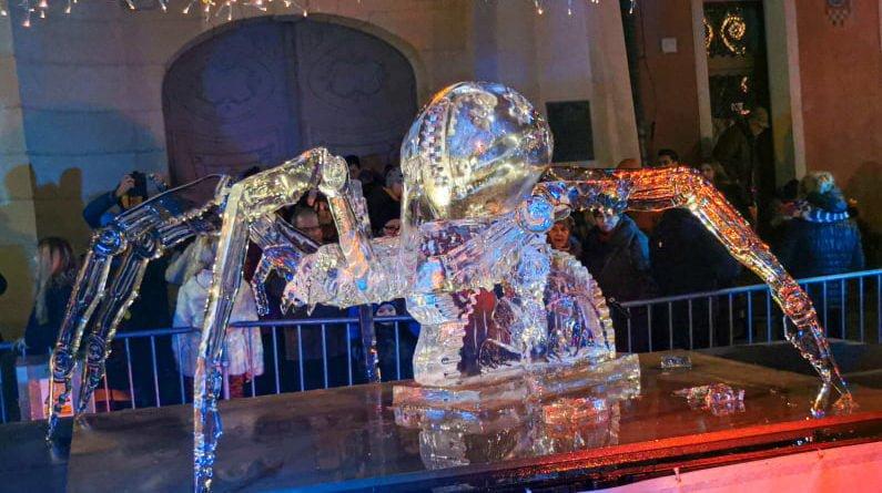 poznan ice festival konkurs glowny 7 fot. slawek wachala 795x445 - Poznań: Lodowe rzeźby i tłumy podziwiających