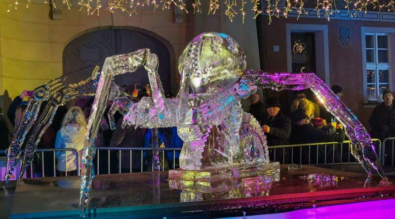 poznan ice festival konkurs glowny 8 fot. slawek wachala 800x445 - Poznań: Lodowe rzeźby i tłumy podziwiających