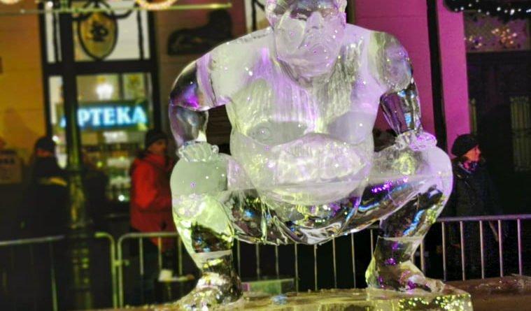 poznan ice festival konkurs glowny 9 fot. slawek wachala 759x445 - Poznań: Lodowe rzeźby i tłumy podziwiających