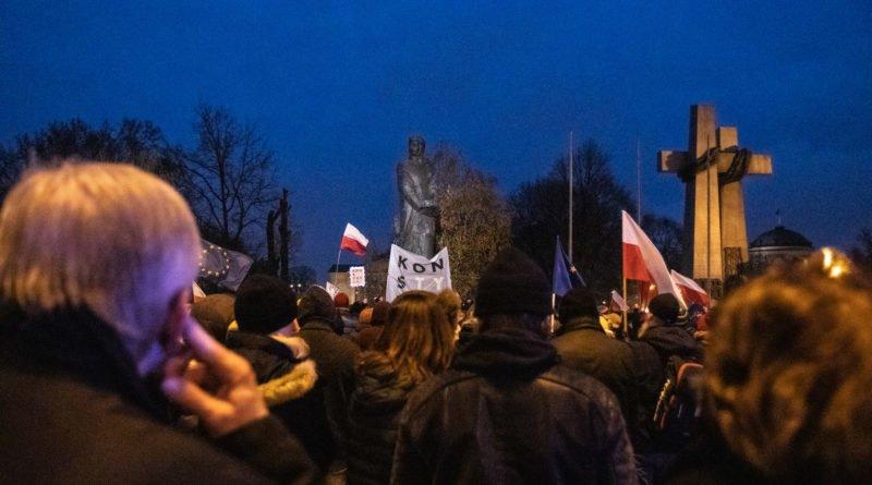 solidarnie z sedziami 1.12.2019 fot. slawek wachala 23 800x445 - Poznań: Łańcuch Światła solidarnie z sędziami