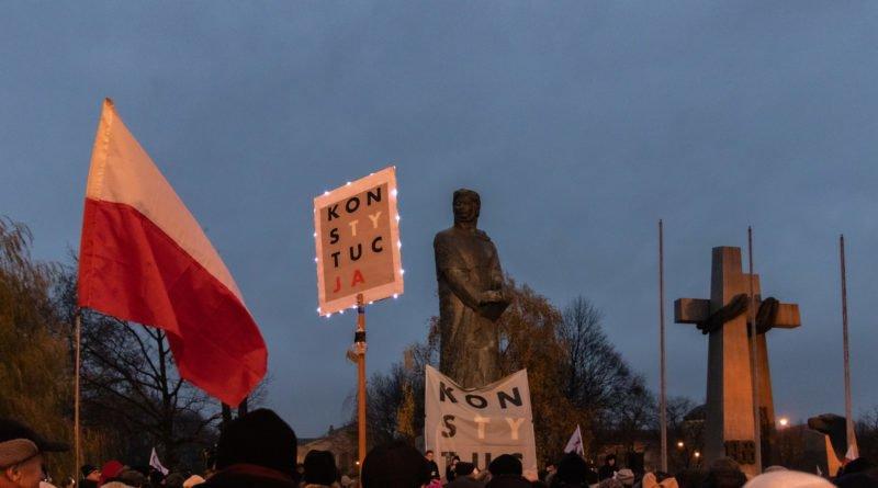 solidarnie z sedziami 1.12.2019 fot. slawek wachala 3 1 800x445 - Poznań: Łańcuch Światła solidarnie z sędziami