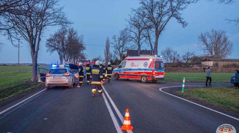strazacy ochotnicy w akcji 10 fot. osp kozmin wlkp. 800x445 - Koźmin Wielkopolski: Śmigłowiec LPR, kolizja drogowa i strażacy ochotnicy