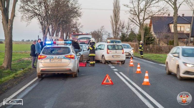 strazacy ochotnicy w akcji 7 fot. osp kozmin wlkp. 800x445 - Koźmin Wielkopolski: Śmigłowiec LPR, kolizja drogowa i strażacy ochotnicy
