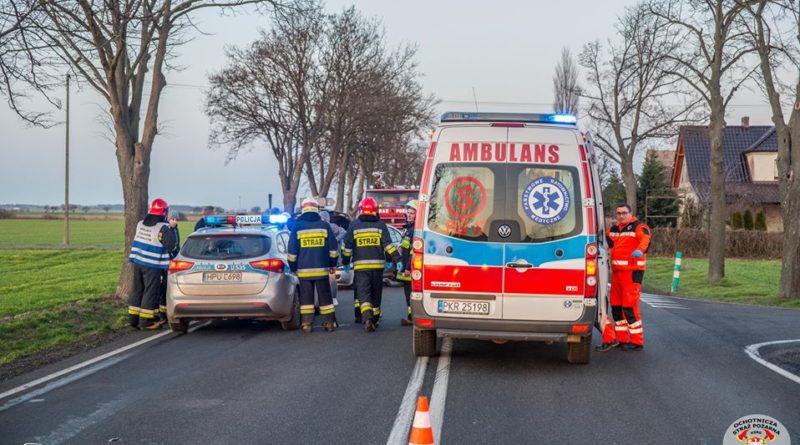 strazacy ochotnicy w akcji 9 fot. osp kozmin wlkp. 800x445 - Koźmin Wielkopolski: Śmigłowiec LPR, kolizja drogowa i strażacy ochotnicy