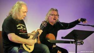 super trio fot. magda zajac 4 300x169 - Czterej wirtuozi gitary na pleszewskiej scenie