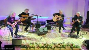 super trio fot. magda zajac 9 300x169 - Czterej wirtuozi gitary na pleszewskiej scenie
