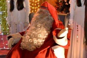 swiety mikolaj fot. ump 1 300x200 - Święty Mikołaj przyjechał do Poznania. Były prezenty!