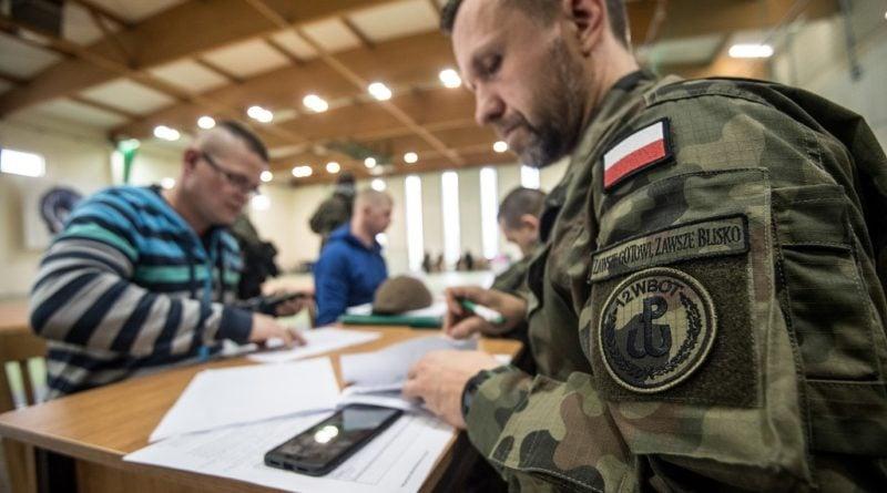 terytorialsi szkolenie podstawowe 2 fot. 12bwot 800x445 - Wielkopolscy terytorialsi nie zwalniają tempa. Trwa szkolenie nowych kandydatów