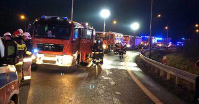 wypadek fot. osp kleszczewo 2 390x205 - Poznań: Nocny pożar w okolicach zakładów chemicznych
