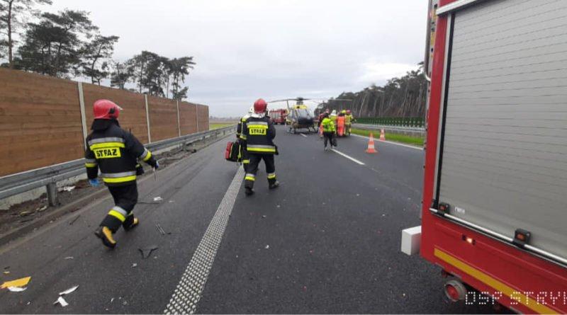 wypadek na s5 fot. osp strykowo 10 800x445 - Rawicz: Wypadek na S5. Trasa zablokowana