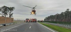 wypadek na s5 fot. osp strykowo 4 300x136 - Pierwsza śmiertelna ofiara na trasie S5. Szczegóły wypadku ustala policja