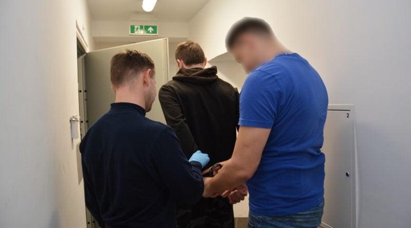 zatrzymani mężczyźni podejrzewani o włamania fot. kmp Konin