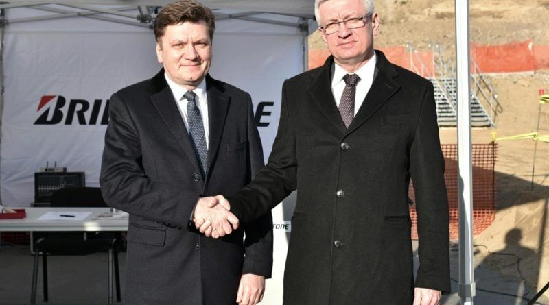 bridgestone 2 fot. ump 800x445 - Poznań: Bridgestone buduje nowe hale produkcyjne